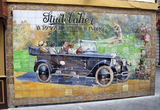 Sevilla_calle-tetuan-studebaker