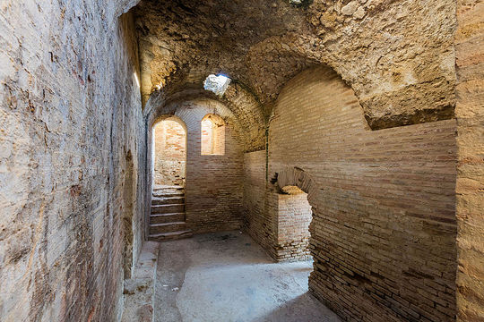 Sevilla_italica-Anfiteatro_de_las_ruinas_romanas_Santiponce.jpg