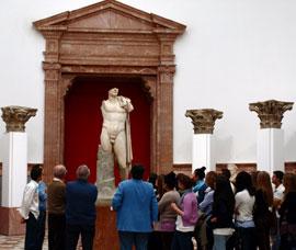 Sevilla_musea---Museo-Arqueol0gicok.jpg