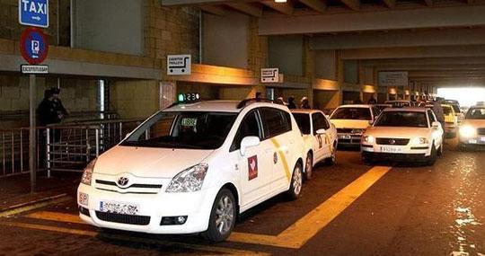 Sevilla_taxi-vliegveld