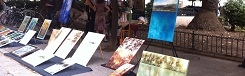 Kunstmarkt en galerie in de openlucht